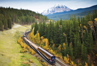 rocky-mountaineer-canada