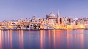 gi-a-eu-malta-valletta-view-towards-town-at-night-29847762l-i-16-9