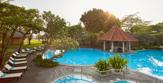Sol-Beach-House-Swimmng-Pool