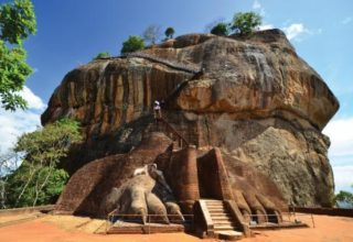 sri-lanka-sigiriya-lion-rock-fortress
