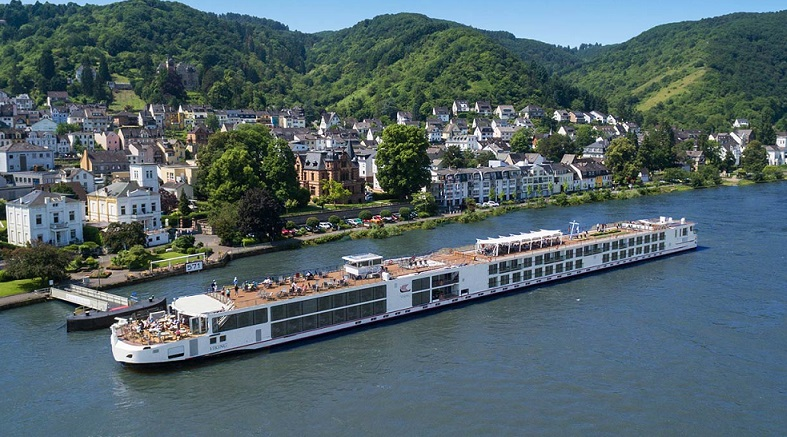 Longships_Middle_Rhine_Boppard_Docks_0026_1680x716_tcm21-76537