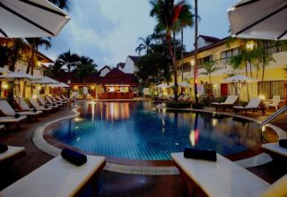 horizon-patong-deluxe-pool
